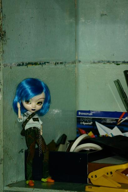 인형사진: 사물함