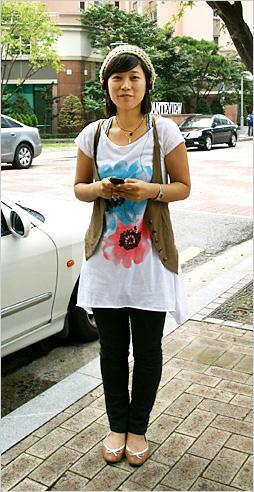 가을바람에 커피향이 묻어나는 분당 정자동 카페거리에서 만난 스타일리쉬 소니피플을 소개합니다.-양혜영(26) / 쇼핑몰 MD