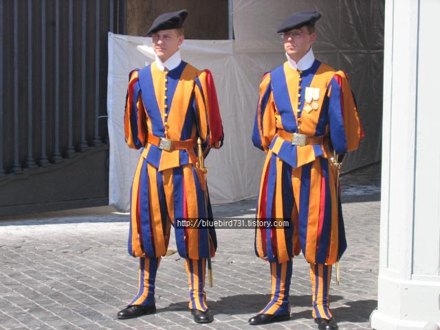 바티칸시티엔 '스위스용병' 이 있다?
