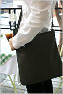 가을바람에 커피향이 묻어나는 분당 정자동 카페거리에서 만난 스타일리쉬 소니피플을 소개합니다.-최승일(34) / 영화감독