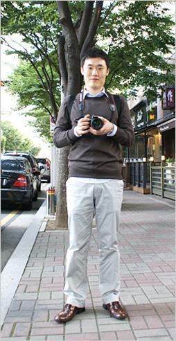 가을바람에 커피향이 묻어나는 분당 정자동 카페거리에서 만난 스타일리쉬 소니피플을 소개합니다.-최경술(27) / 현대 중공업