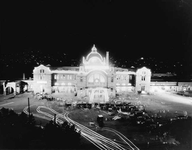 1958년 서울역 야경